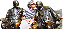 Susan Messer kissing Winston Churchill's nose